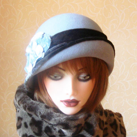 Grey blue felt hat front