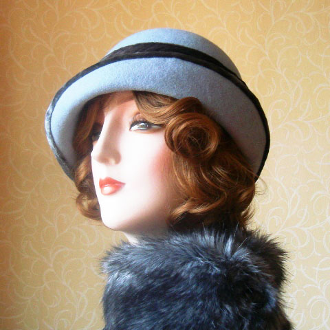 Grey blue felt hat side