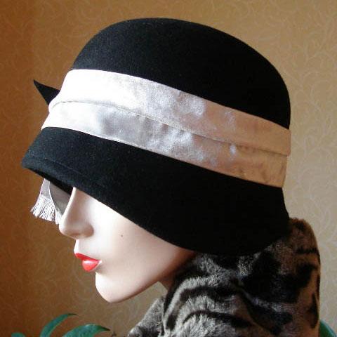 Black cloche hat side