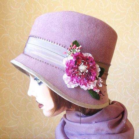 Lilac felt hat side