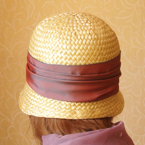 Cream straw cloche back