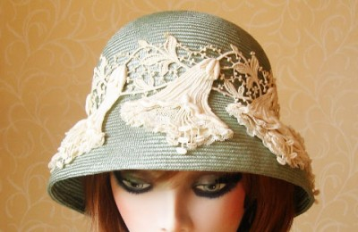 Pale green straw hat